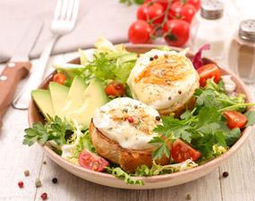 Comment faire facilement une salade de chèvre chaud ?